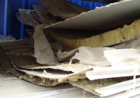 Больше ЛМК в России www.steelbuildings.ru Полистовая сборка победила или как повторно использовать сэндвич-панели с наполнителем минеральная вата: