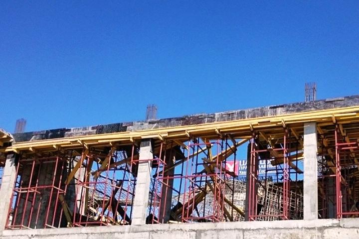 Больше ЛМК в России www.steelbuildings.ru Вчера в ВолгоГраде, в день открытия МосБИЛДа, чудом не погибли люди из-за бетонных перекрытий!