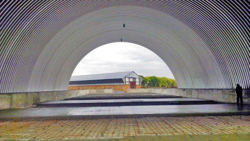 Больше ЛМК в России www.steelbuildings.ru Завершающий этап строительства ЗерноХранилища.