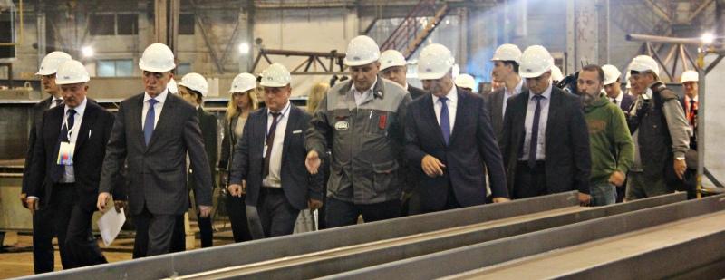 Больше ЛМК в России www.steelbuildings.ru Леонид Михельсон загрузит Челябинский ЗМК и КОНАР.