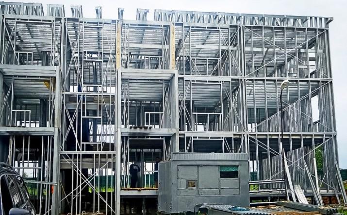 """Больше ЛМК в России www.steelbuildings.ru ЕВРАЗовский АРСС оправдывает своё предназначение? ЛСТК названы """"сомнительной технологией""""."""