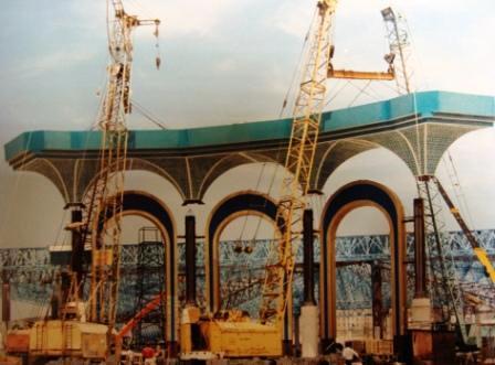 Больше ЛМК в России www.steelbuildings.ru Мандражиева Рустэма Искандэровича поздравляю с Днём Рождения! Немного истории Лёгких Металлических Конструкций (ЛМК):
