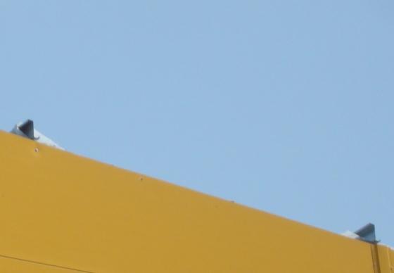 Больше ЛМК в России www.steelbuildings.ru Кровля ЗМК в процессе монтажа (полистовая сборка, в качестве прогонов использован Z-профиль) на блоге Дмитрия Кропивницкого (DK):
