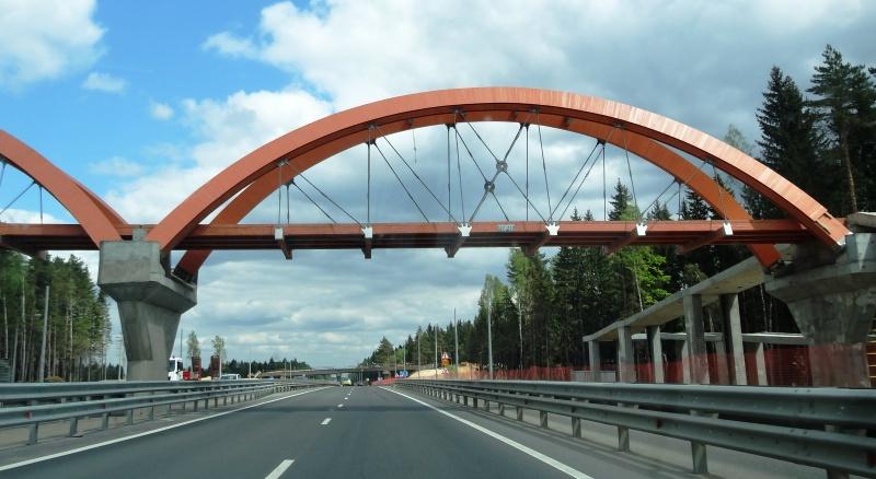 Больше ЛМК в России www.steelbuildings.ru Анатолий Николаевич Мирошниченко (ex-ВЕНТАЛЛ, сейчас АмиКор, г. Обнинск),