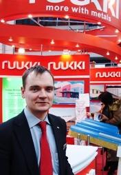 Больше ЛМК в России www.steelbuildings.ru Олега Волкова, RUUKKI поздравляем с Днём Рождения!