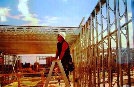 Больше ЛМК в России www.steelbuildings.ru Г-на Шухардина Андрея Алексеевича поздравляем с Днём Рождения! Использовано фото стальных конструкций THERMALLOY Building Products (Канада).