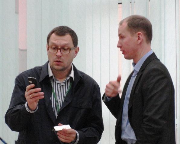 Больше ЛМК в России www.steelbuildings.ru Блог Дмитрия Кропивницкого (DK) Переговоры в Киеве состоялись, на фото справа Андрей Озейчук, Бизнес-Директор RUUKKI Construction Украина.