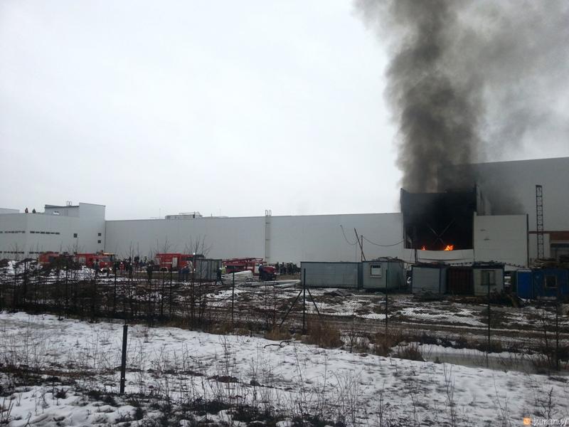 Больше ЛМК в России www.steelbuildings.ru Чьи сэндвич-панели сгорели сегодня на Заводе НИССАН в Питере? Да как сгорели!