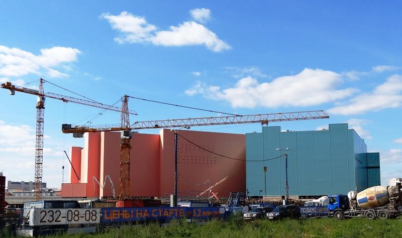 Больше ЛМК в России www.steelbuildings.ru  в Москве заканчивается строительство АВИА-ПАРКа, как вы думаете, Коллеги, кто поставлял на этот объект площадью почти 400 000 кв.м сэндвич-панели?