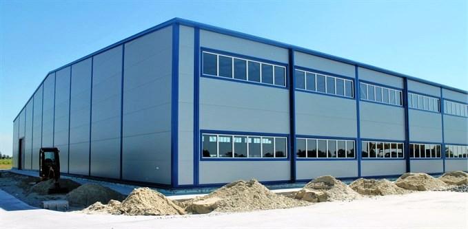 Больше ЛМК в России www.steelbuildings.ru Llentab таки поставила стальное здание с сэндвич-панелями.