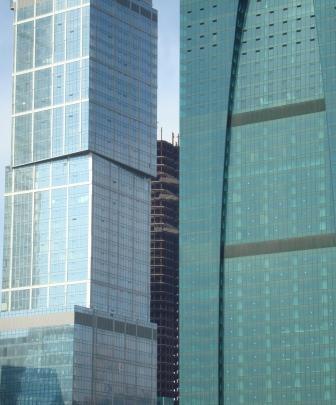 Больше ЛМК в России www.steelbuildings.ru Участники рынка металлоконструкций, поедете (вряд ли вы участвуете) на МосБилд - обратите внимание на это здание на основе стальной балки в МОСКВА-СИТИ: