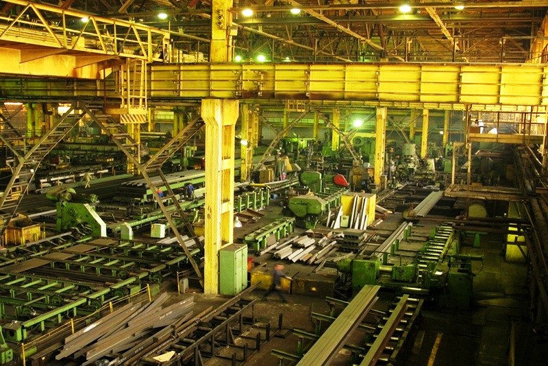 Больше ЛМК в России www.steelbuildings.ru ЕВРАЗовский АРСС не стал покупать Череповецкий ЗМК.