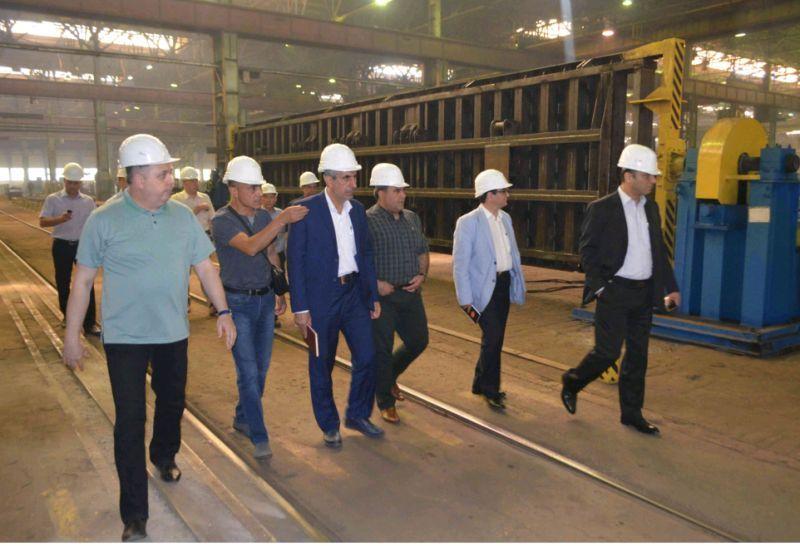 Больше ЛМК в России www.steelbuildings.ru ЗМК в Энгельсе посещают представители Иранских железных дорог.