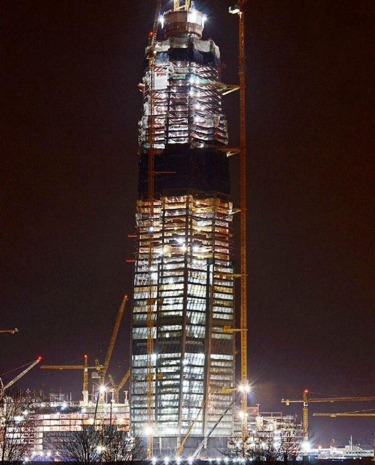 Больше ЛМК в России www.steelbuildings.ru Стальные конструкции Лахта-Центра отгружаются из Челябинска.