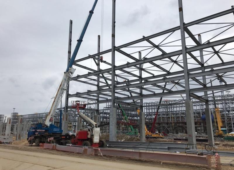 Больше ЛМК в России www.steelbuildings.ru Компания СтальМонтаж осуществляет монтаж стальных конструкций производства КурганСтальМост для ЗапСибНефтеХима.