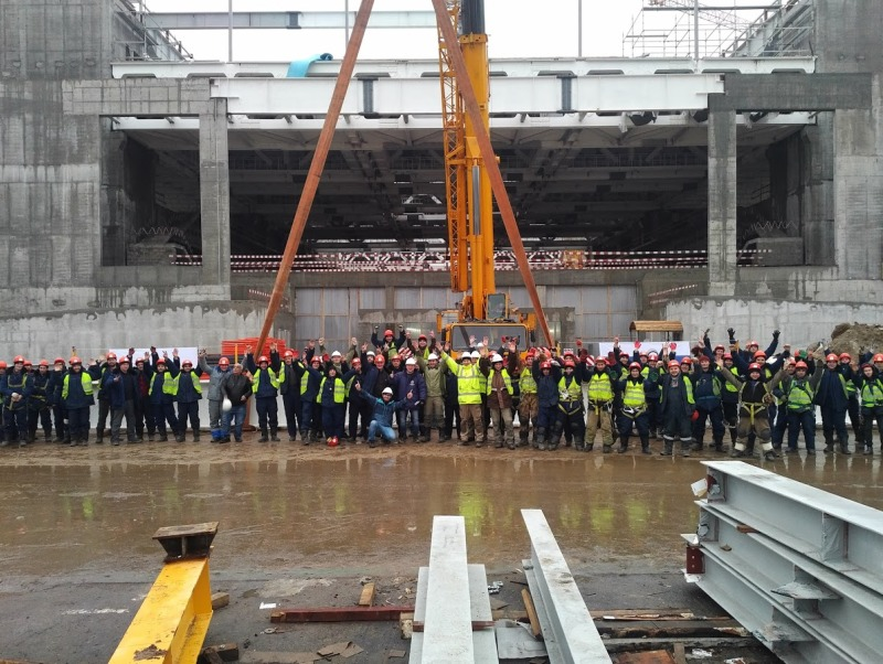 Больше ЛМК в России www.steelbuildings.ru Topping Out от СтальМонтажа состоялся в Москве 13 декабря 2017 года, впервые в России, в Год СтальМонтажника.jpg