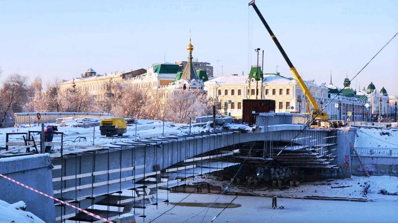 Больше ЛМК в России www.steelbuildings.ru В Омске заменили конструкции моста, теперь это будут стальные конструкции.
