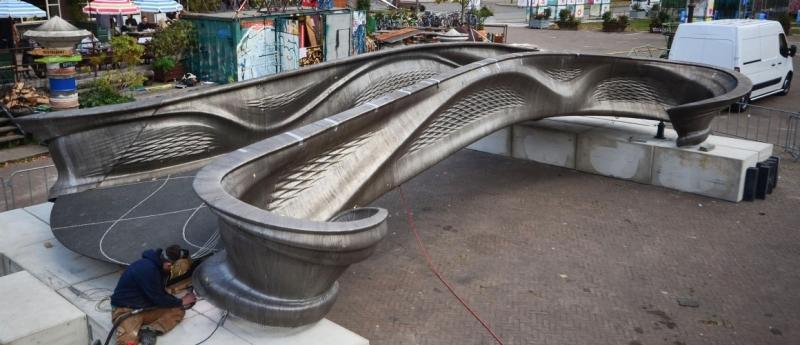 Больше ЛМК в России www.steelbuildings.ru Новая технология изготовления металлоконструкций идёт к нам из Голландии.