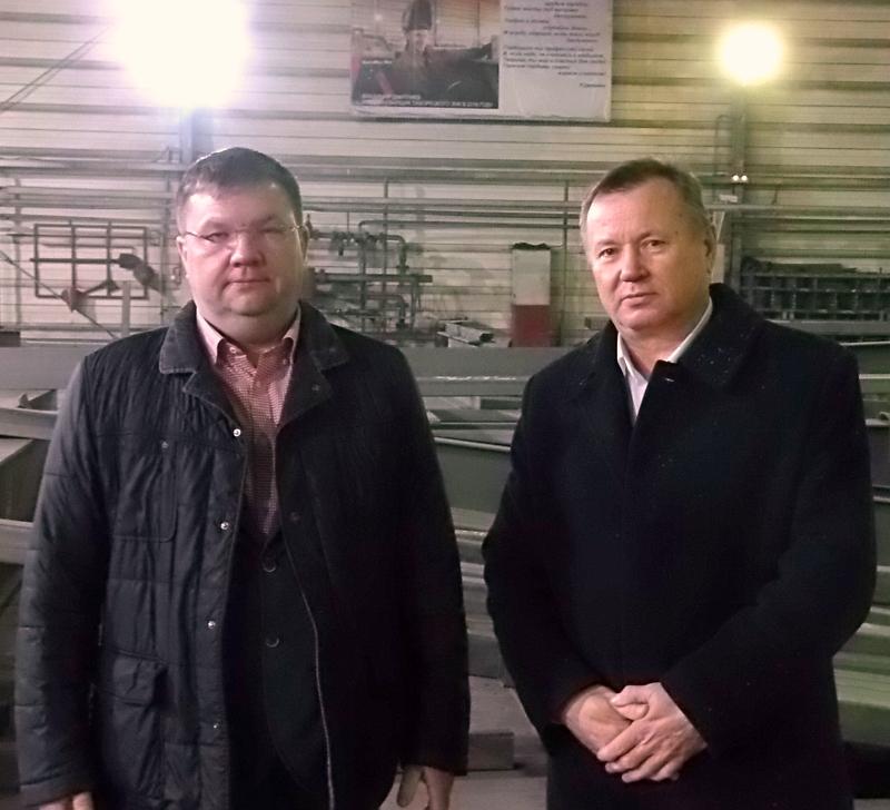 Больше ЛМК в России www.steelbuildings.ru 16 декабря 2016 года на ТихоРецком Заводе Металлических Конструкций  (ТРЗМК) состоялась встреча с Виталием Корезиным, Генеральным Директором Компании ЕвроАнгар.