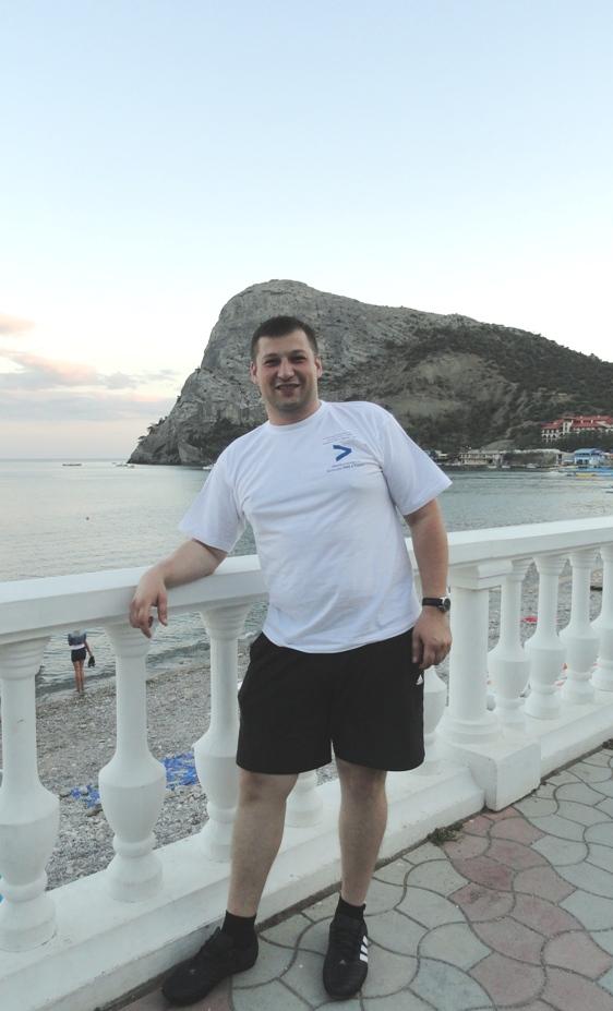 Больше ЛМК в России www.steelbuildings.ru Поздравляем Дмитрия Баринова с Днём Рождения!