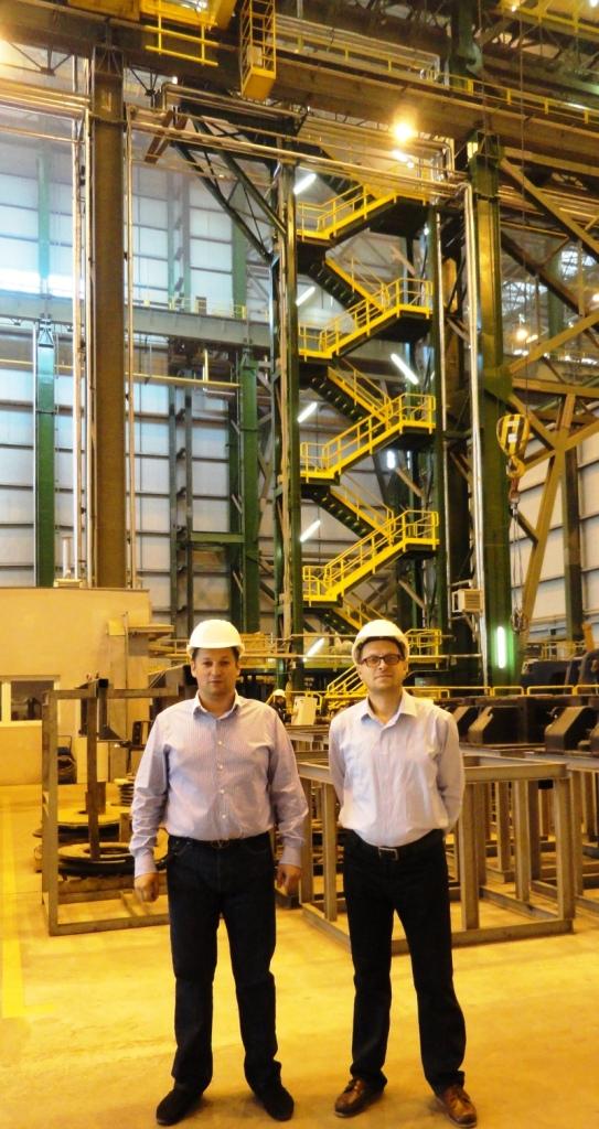 Больше ЛМК в России www.steelbuildings.ru Дмитрий Баринов и Дмитрий Кропивницкий (DK) в одном из цехов Компании ИнтерПайп в ДнепроПетровске.